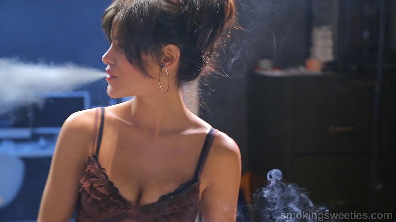 Alba: Spaß am Rauchen