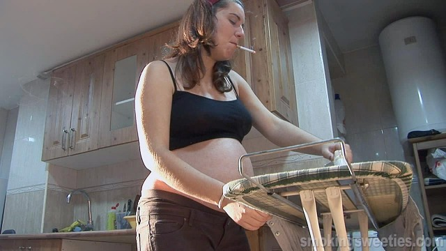 Pregnant Smoker: Women daily duty