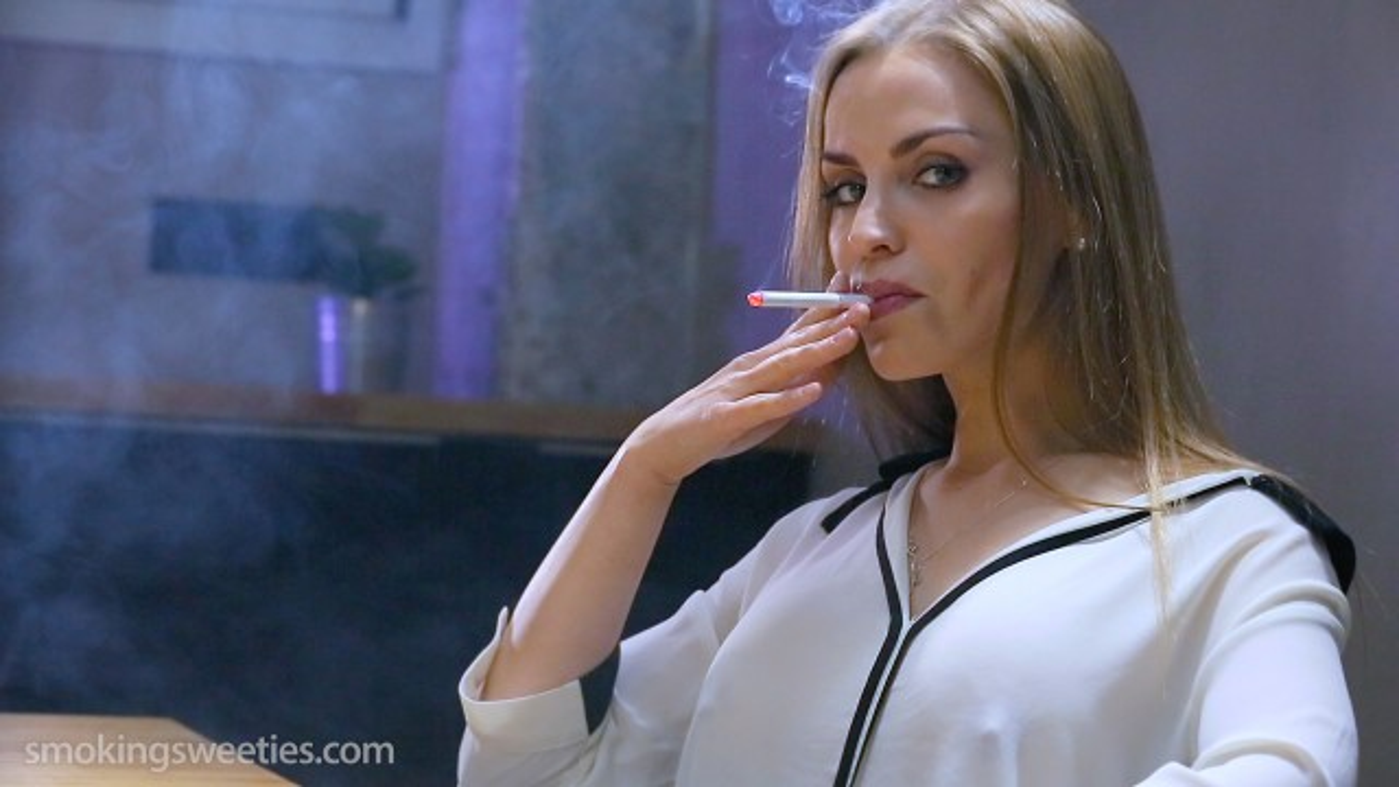 Alexia: Smoking Superstar