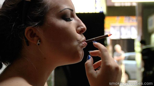 Alexxxya: Teasing and Heavy Smoking