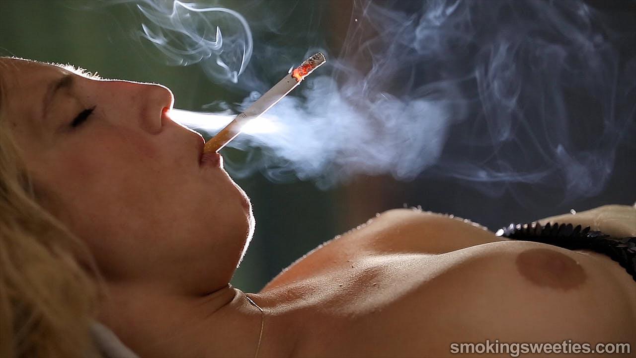 Erika: Power Smoking