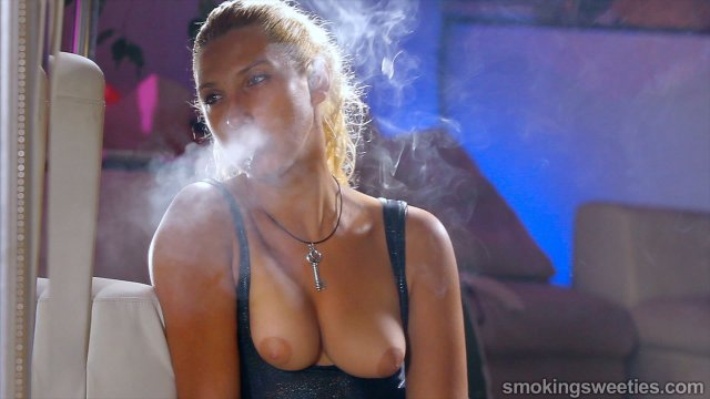 Erika: Smoking Machine