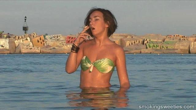 Double smoking Chainsmoker