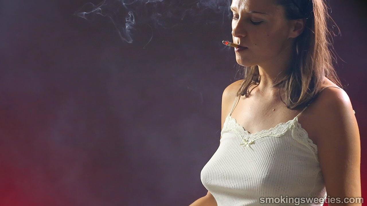 Bojana: Serious Smoking