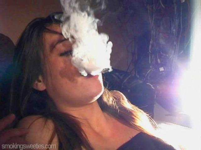 Carole: I love sports, I love smoking
