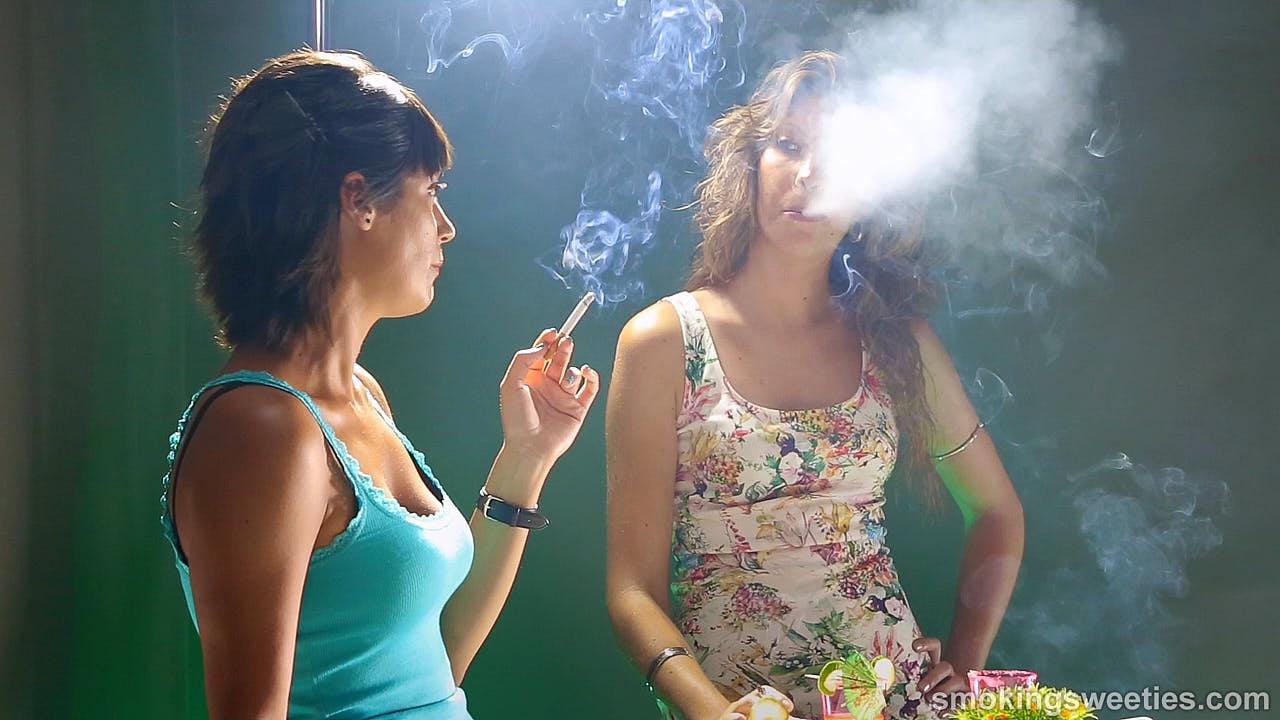 3 Schornsteine quatschen über's Rauchen