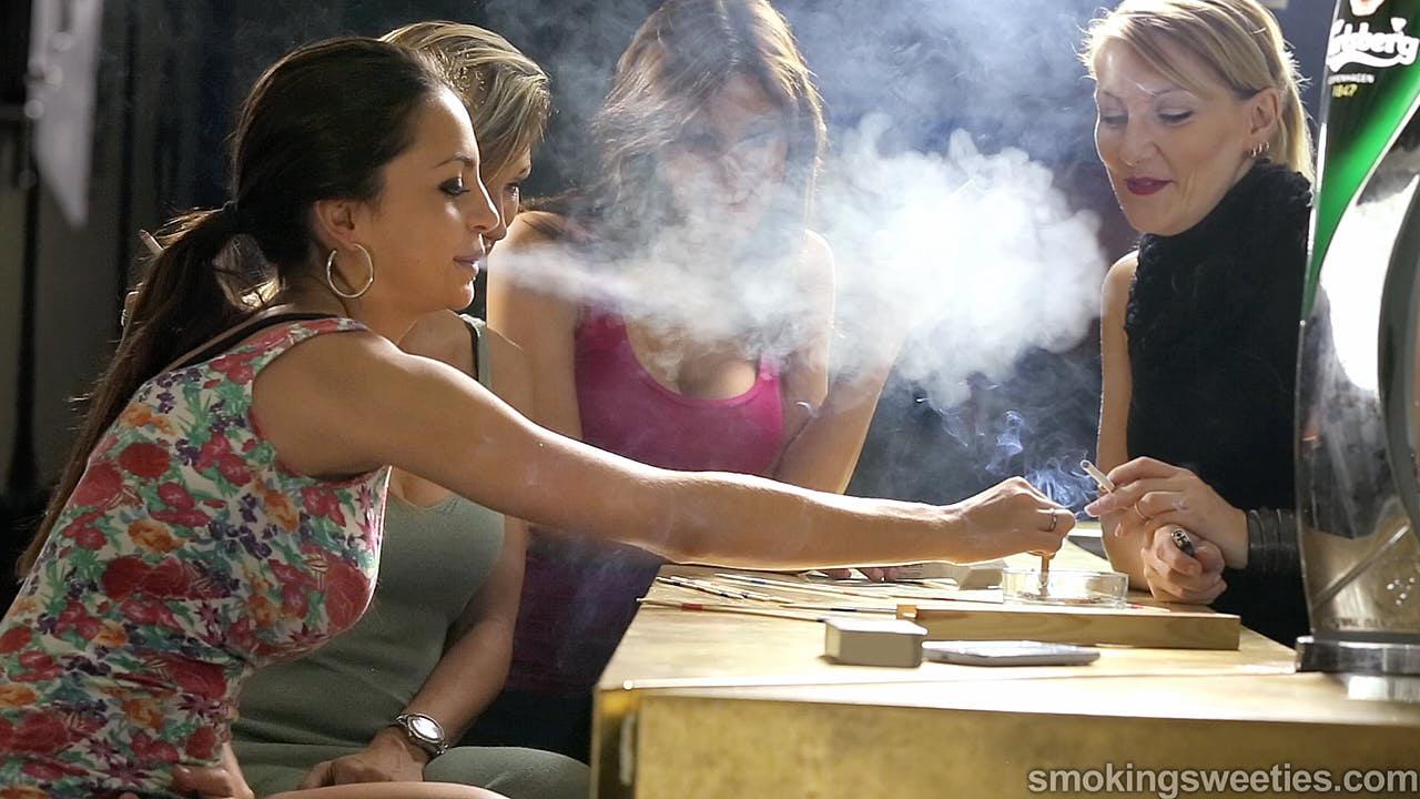 4 Heavy Smoking Girls