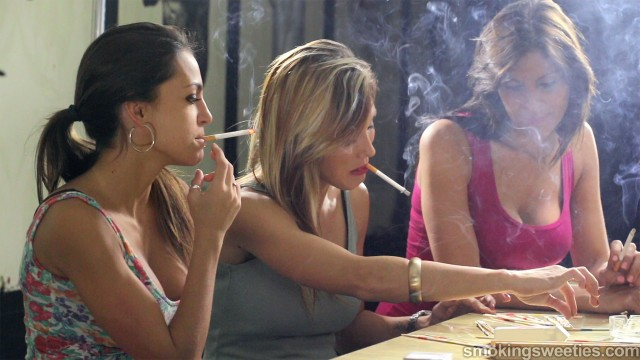 4 Heavy Smoking Girls