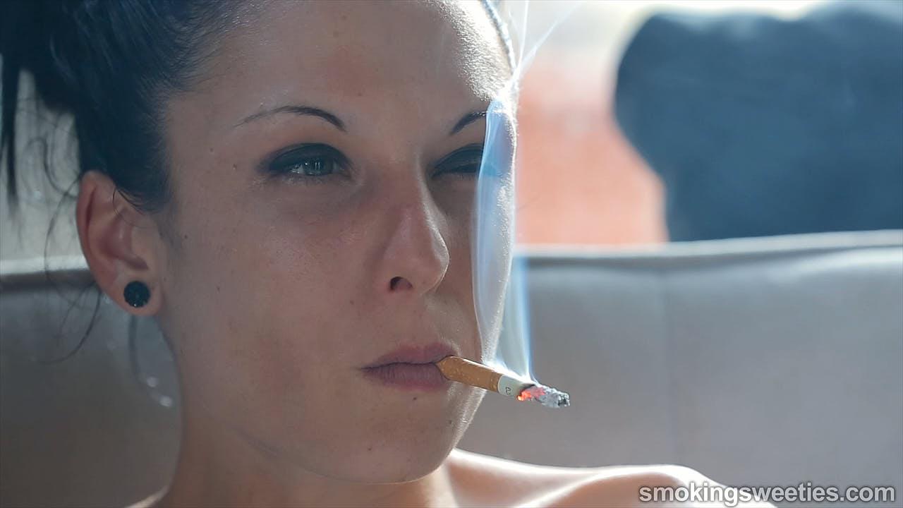 Encarni: una vera gran fumatrice