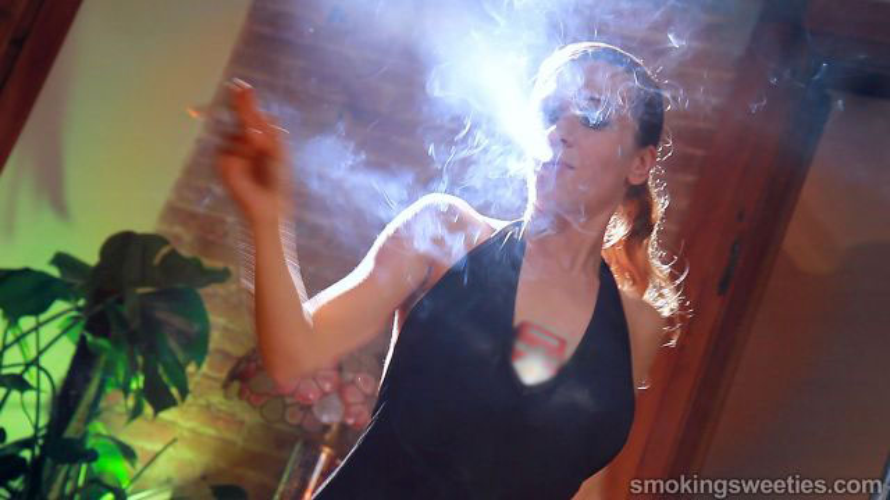 Franchezca: fumando 8 100s
