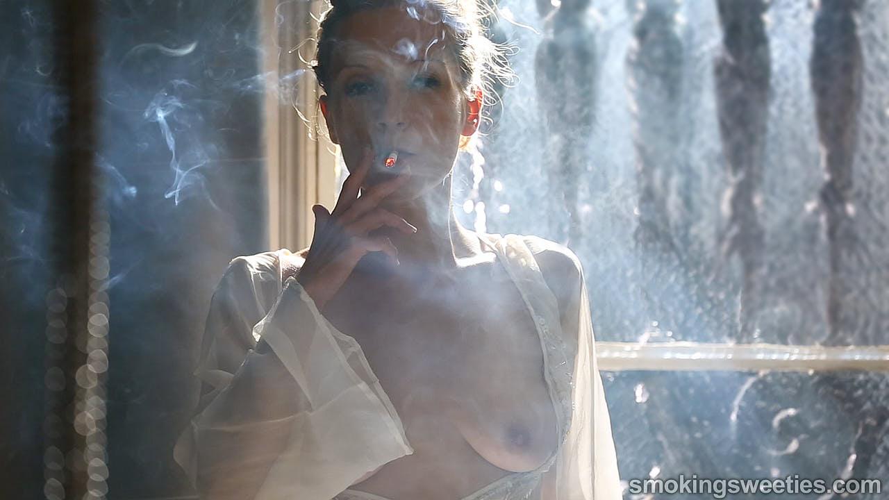 Franchezca: Fumeuse Sensuelle