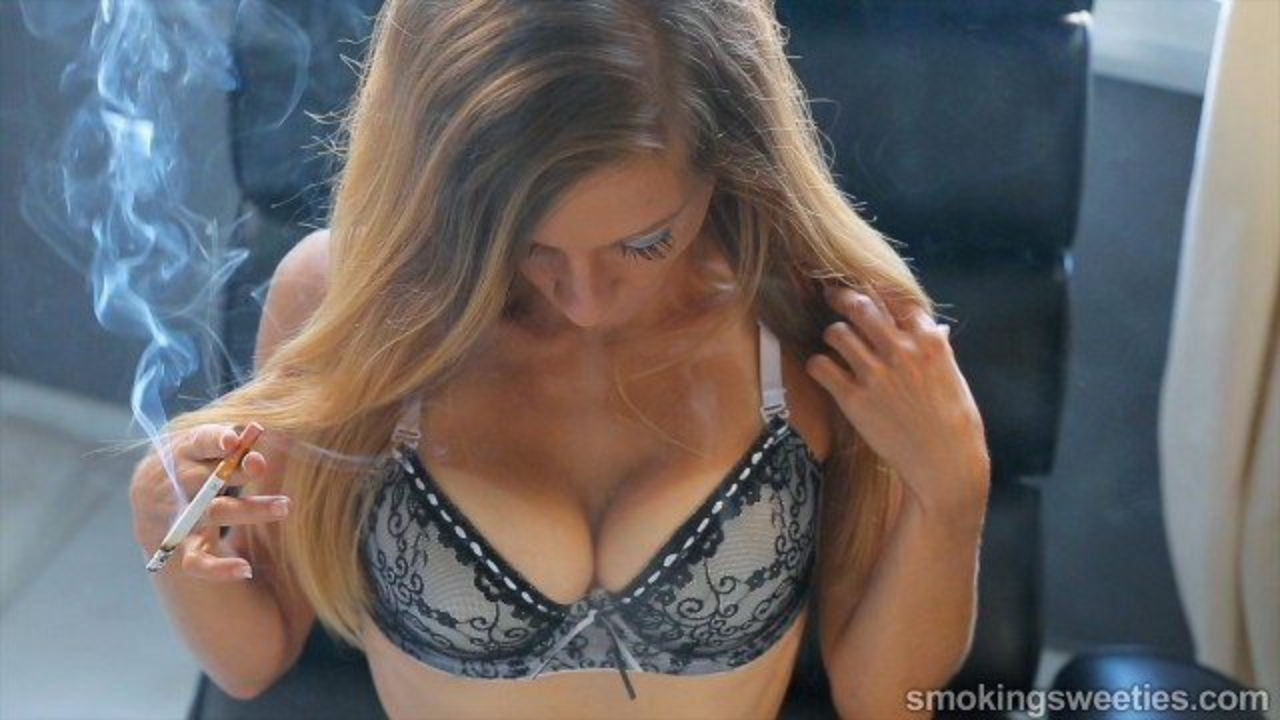 Franchezca: Smoking Bombshell