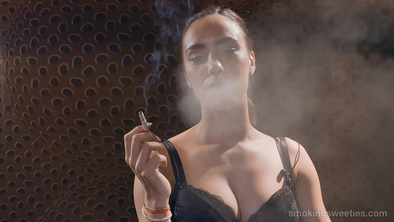 3 Smoking Girl Friends - Part 2