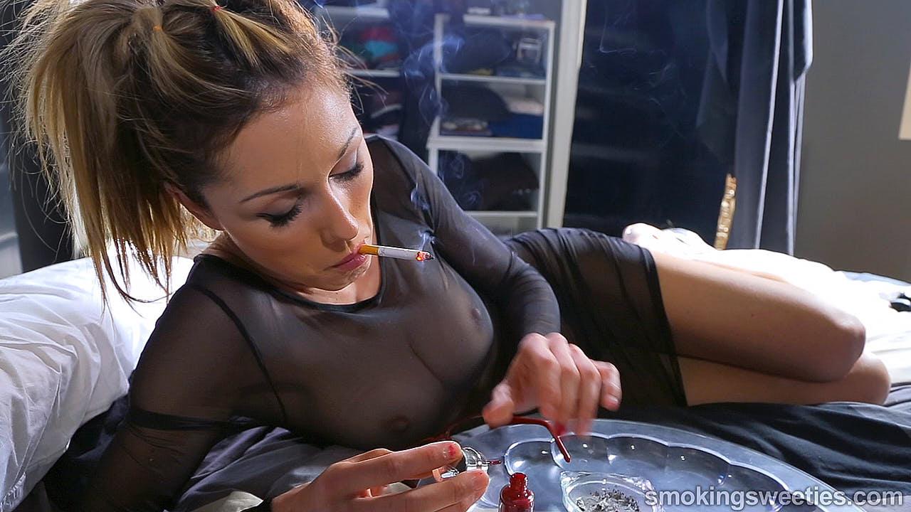 Gwen: Mature practised smoker