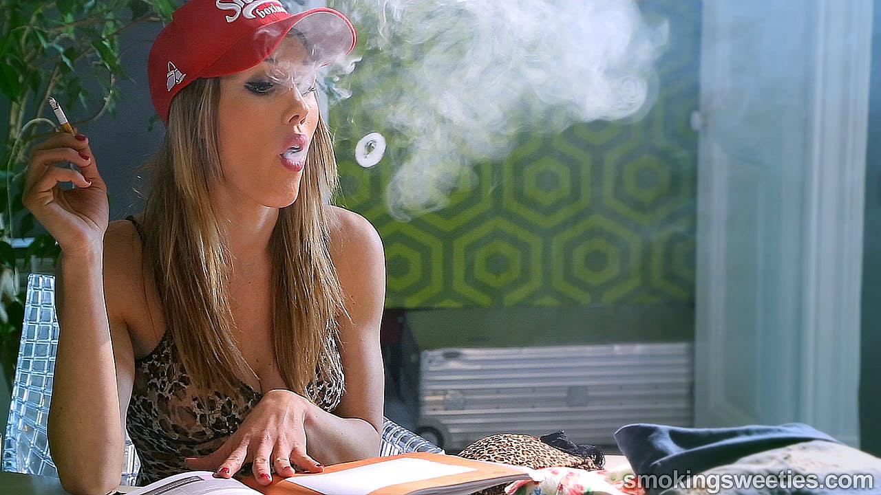 Gwen: Fumeuse Mature