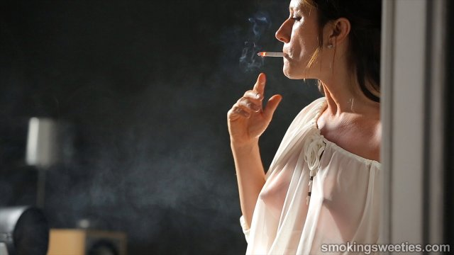 Helen: Nicotine and Smoking Tricks