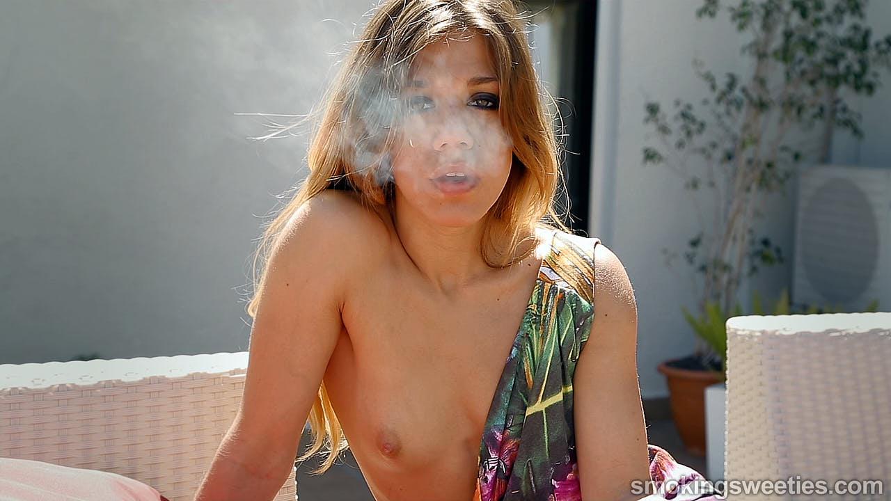 Ines: Smoking Seduction