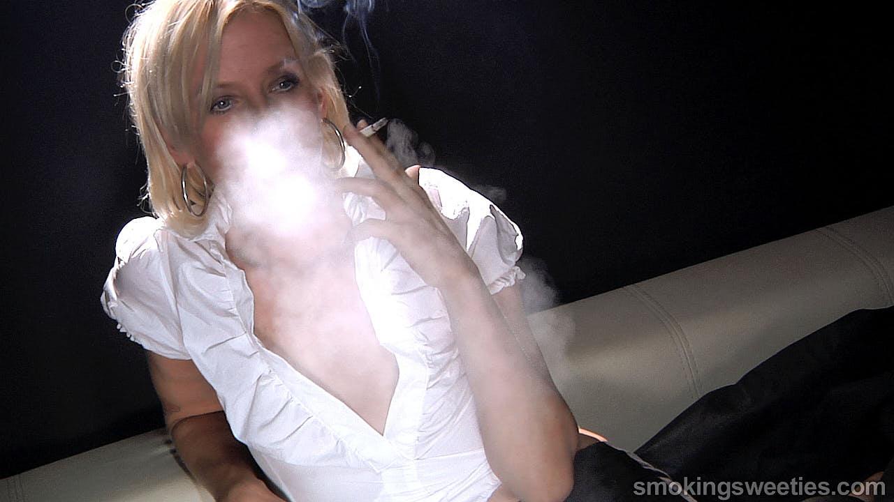 Iveta: Slaved to her cigarettes
