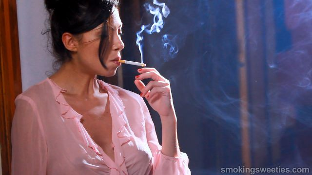 Jen: Smoking Girl Next door