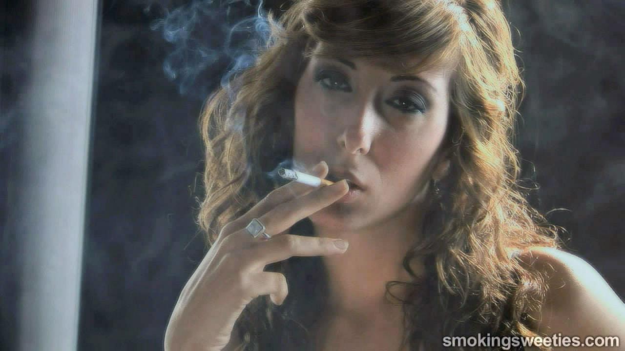 Laura: starlet smokes 5 cigarettes