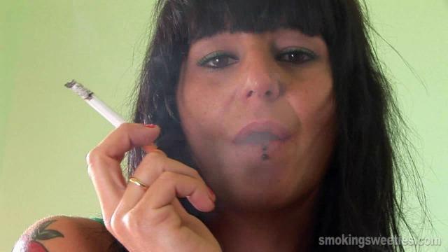 Leticia: Sexy addict
