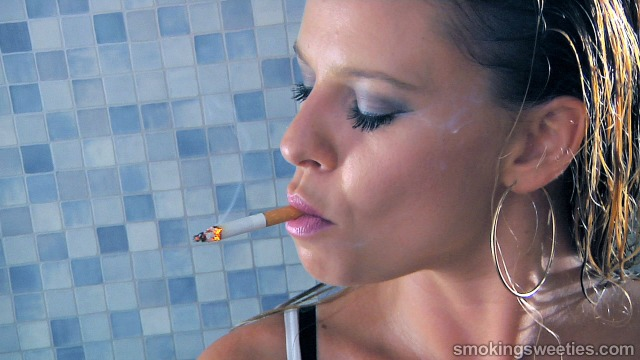 Lorena: Power Smoking Girl Interview
