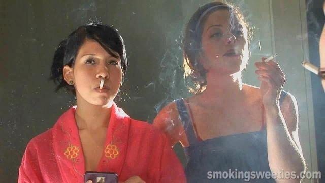 Elena and Yahima: Smoking Makeup