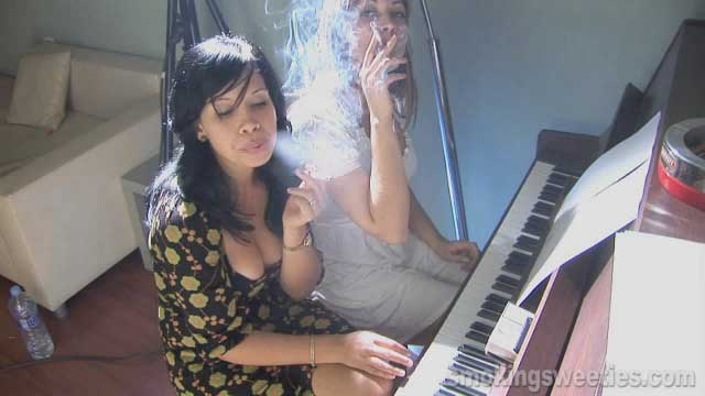 The Piano Teacher - Chain Smoking Duet - (13 min)