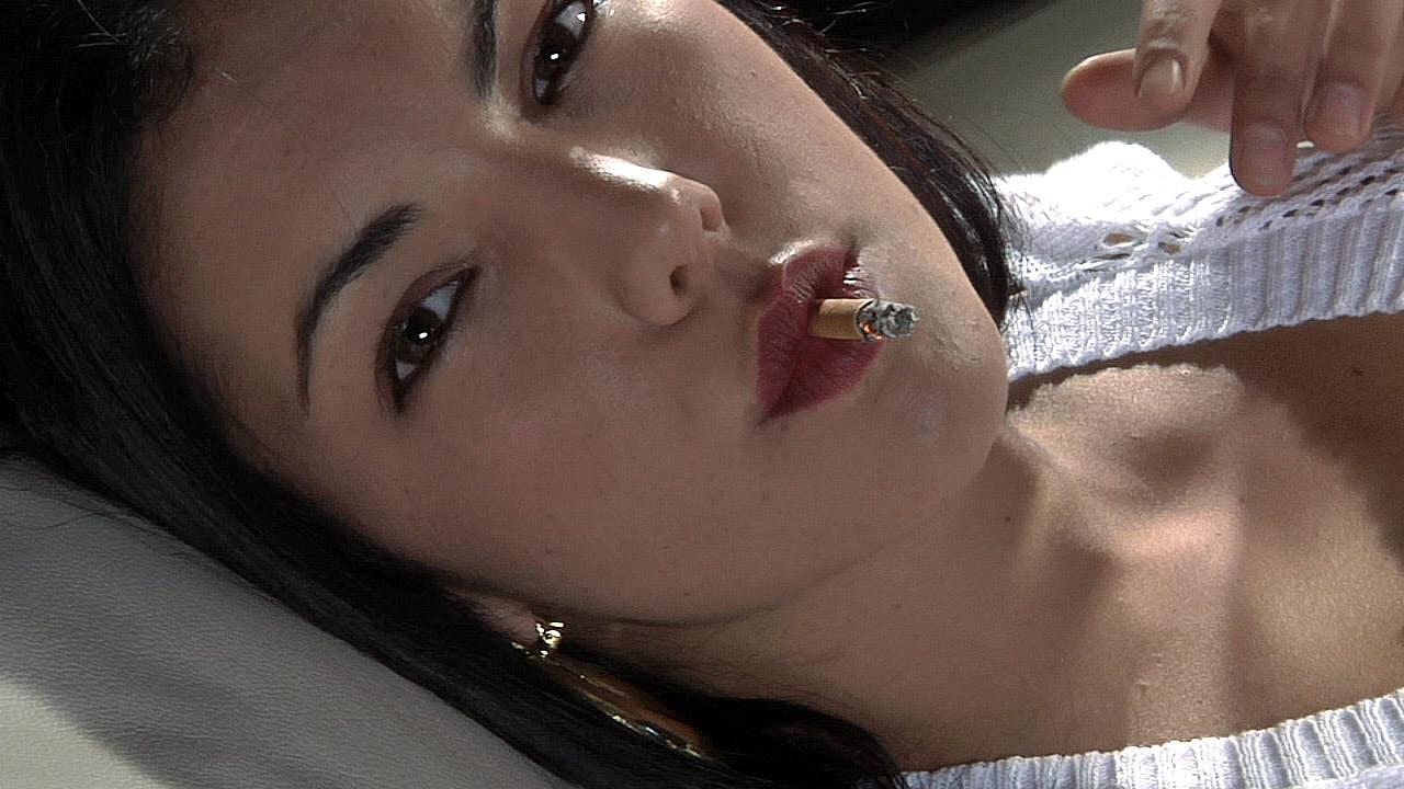 Maite: Chain Smoking Model Interviews