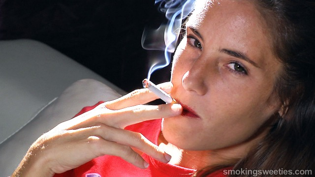 Malena: Interview to a Chain Smoking Girl