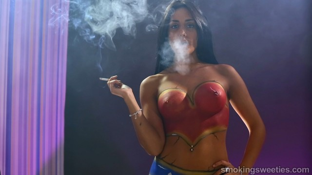 Mery's Bodypainting: A smoking piece of art