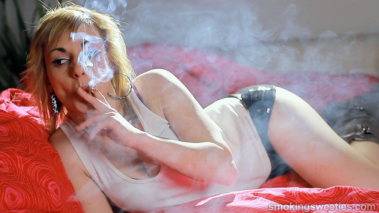 Mireya: Speed Smoking 7 cigarettes