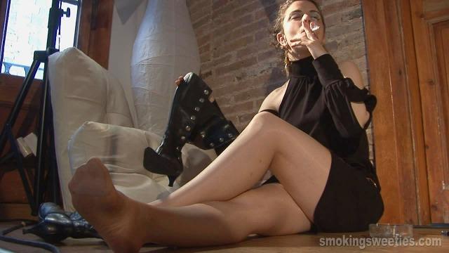 Monika: She smokes too much