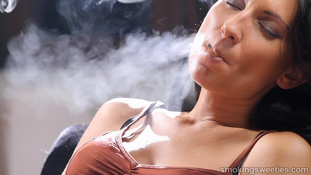 Raquel: Chain Smoking 4 Cigarettes