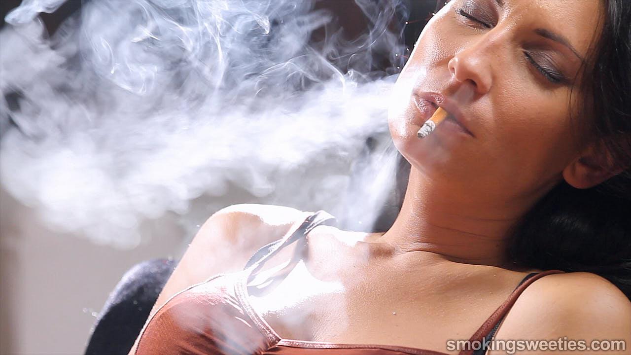 Raquel: 4 sigarette di fila