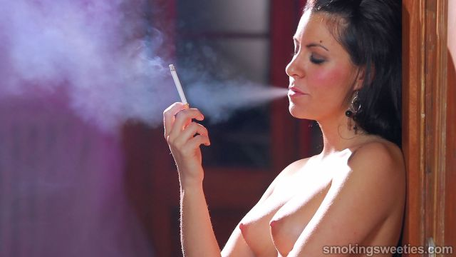 Rebeca: Smoking, Breasts Expand