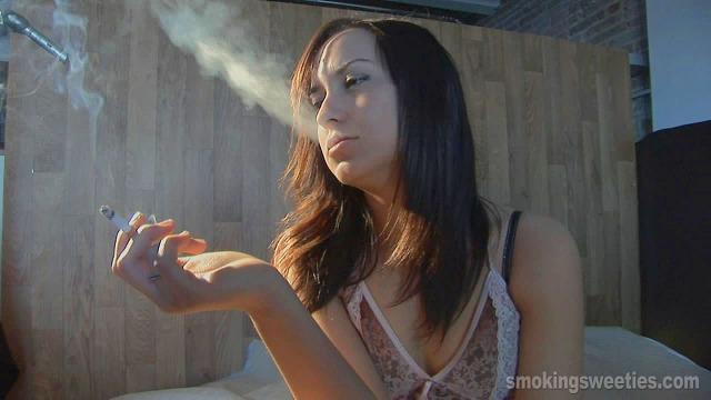 Reme: 4 cigarettes before breakfast