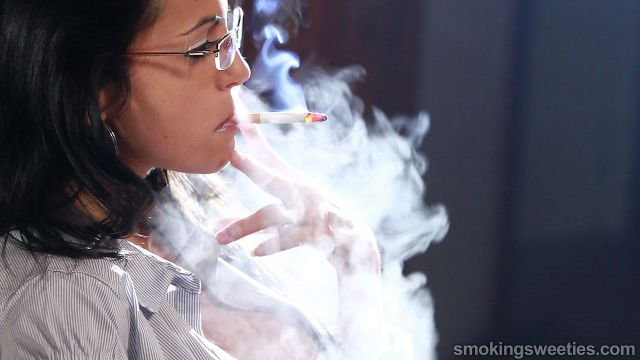 Rosy: Chain Smoking 6 cigarettes
