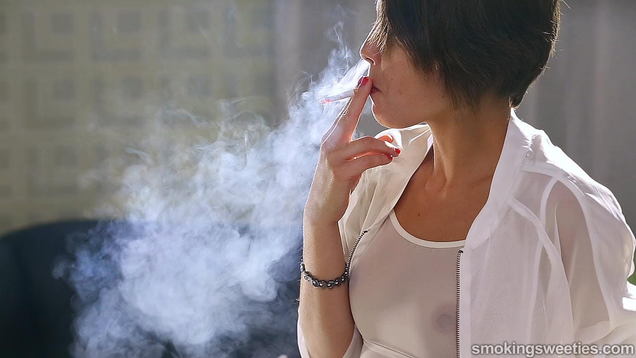 Rosy & Desiree: Smoking Sisters