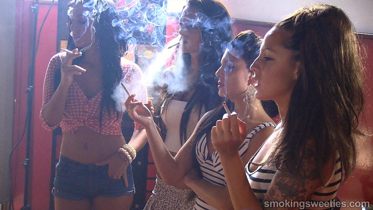 Rosy's Smoking Girl Friends