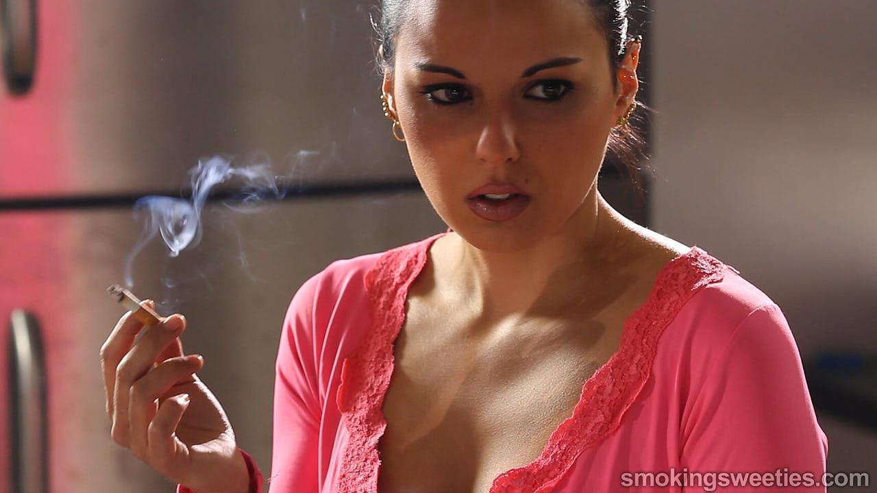 Sara: Chain Smoking Girl