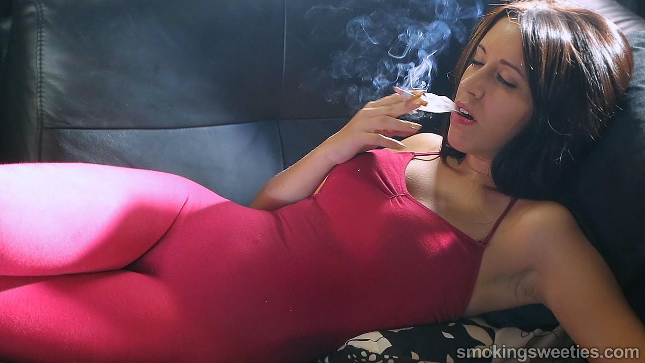 Sheila: Portrait d'une grande fumeuse