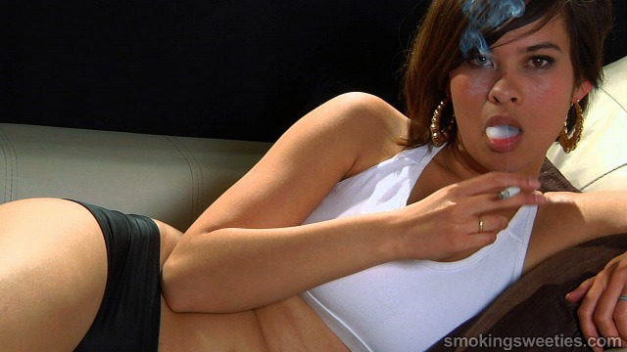 Tanja: Sexy Smoking Girl