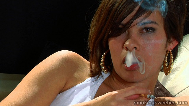 Tanja: Sexy Smoking Girl