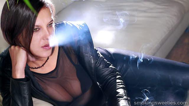 Bojana: Chain Smoker Interview