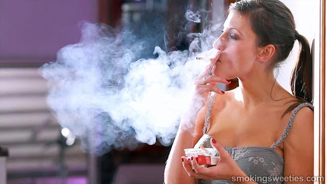 Jessi: Heavy Smoking Model
