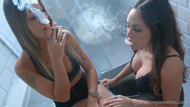Lola & Sonia: Smoking Sisters 2