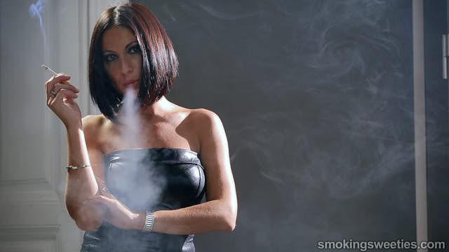 Raquel: Starke Raucherin für 22 Jahre.