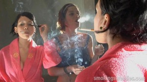 Elena and Yahima: Smoking Makeup