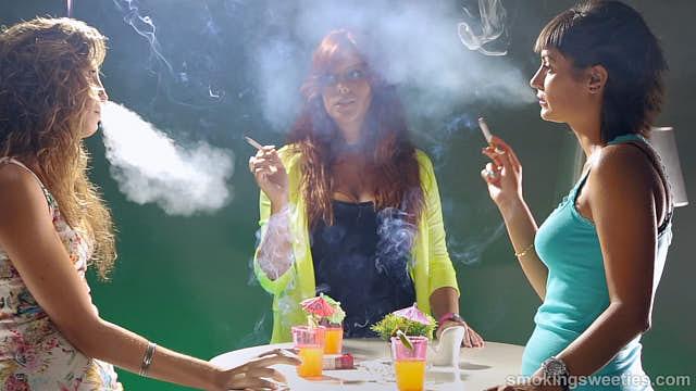 3 ciminiere parlano del fumo